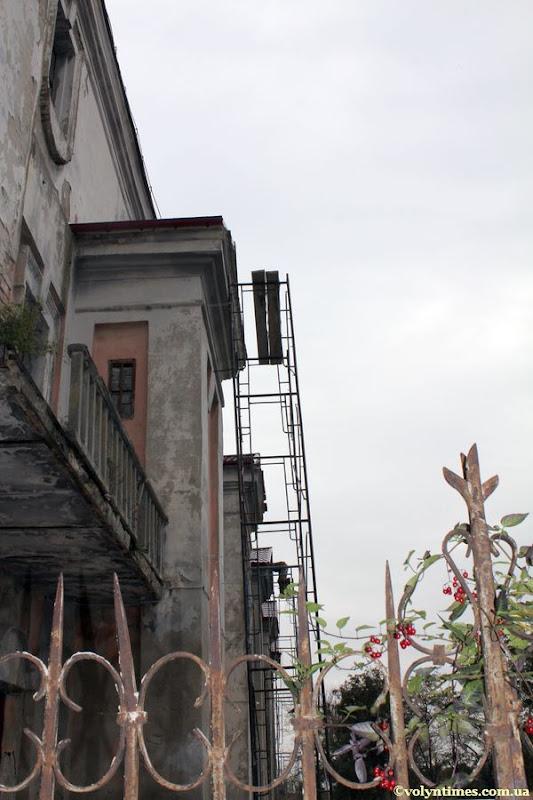 Будівельні роботи на пам'ятці національного значення Колегіумі єзуїтів. Жовтень 2012 р.