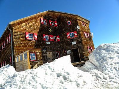 Oberwalder hutte.   © enjanez.net