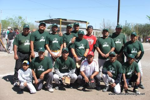 Equipo Águilas del torneo de softbol del Club Sertoma