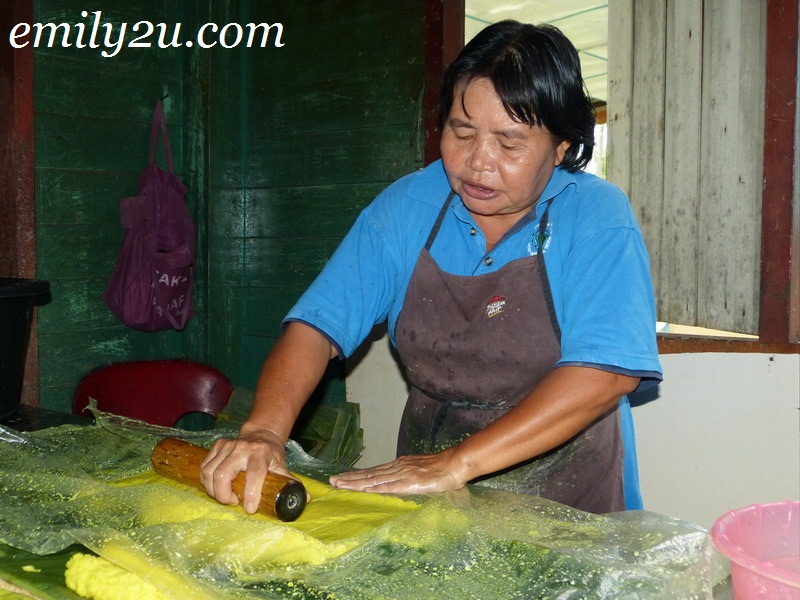 The Making of Tebaloi (Sago Crackers)