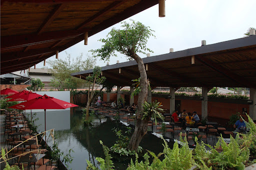1131 Cafe, Binh Duong, Viet Nam, design by Vo Trong Nghia, Takashi Niwa, Yuki Haba.