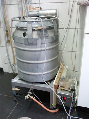 Mash tun with stirrer motor on top and proportional earth gas control