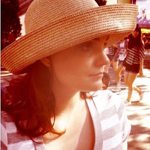 Melanie Knox Photo 7