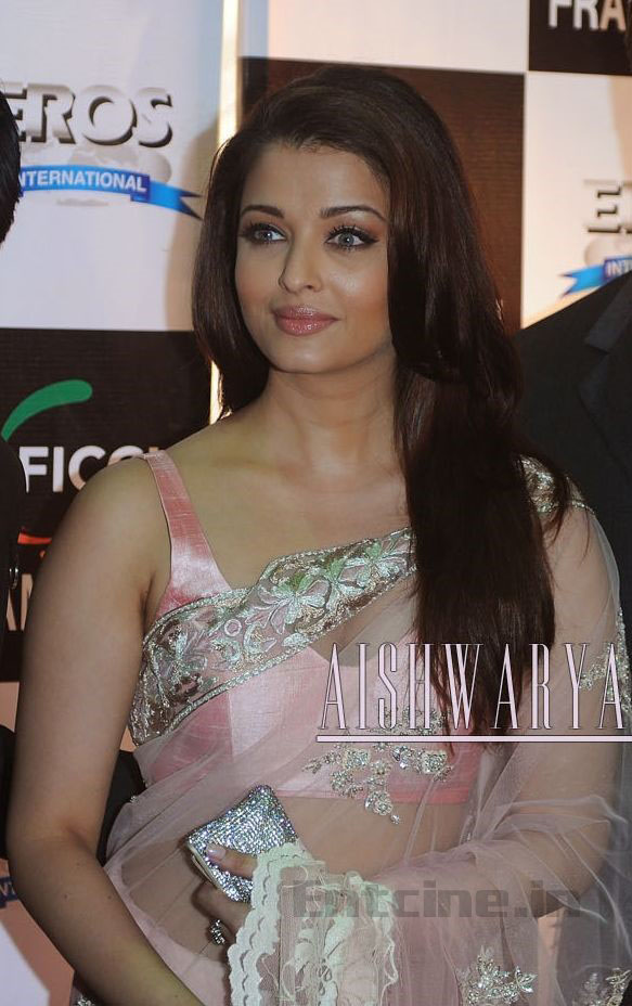 Aishwarya Rai Hot Saree in Endhiran Aishwarya Rai Latest Hot