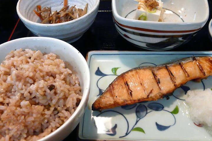 写真:北竜町の黒千石大豆を使った炊き込みご飯
