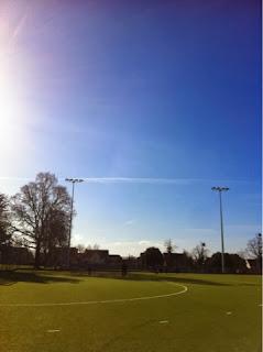 Rugby-son-sun-blue-sky-365