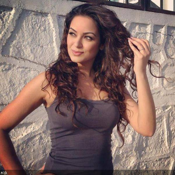 Maryam Zakaria is an Iranian-Swedish actress who is considered as one of the hottest in Bollywood.