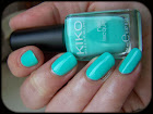 http://astinails.blogspot.fr/2014/01/triangles-on-mint.html