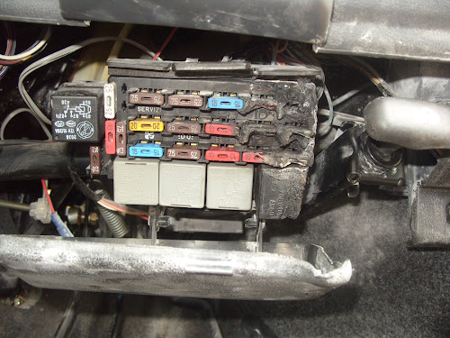 technical repair or replace fusebox on cinquecento sporting the rh fiatforum com fiat punto fuse box diagram 2004 fiat punto fuse box diagram