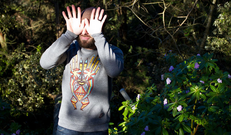 Graphic Sweatshirts: Ben plays peek-a-boo