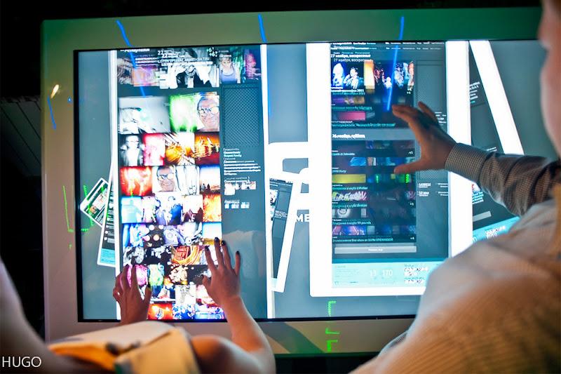 Интерактивный стол как огромный iPad