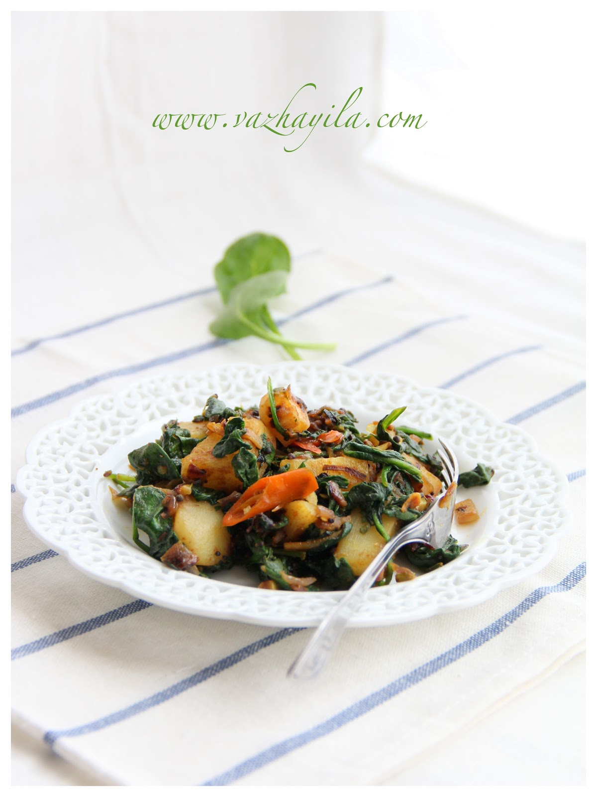 Vazhayila.com: Aloo Palak Tamatar - Sauteed Potatoes Spinach and ...