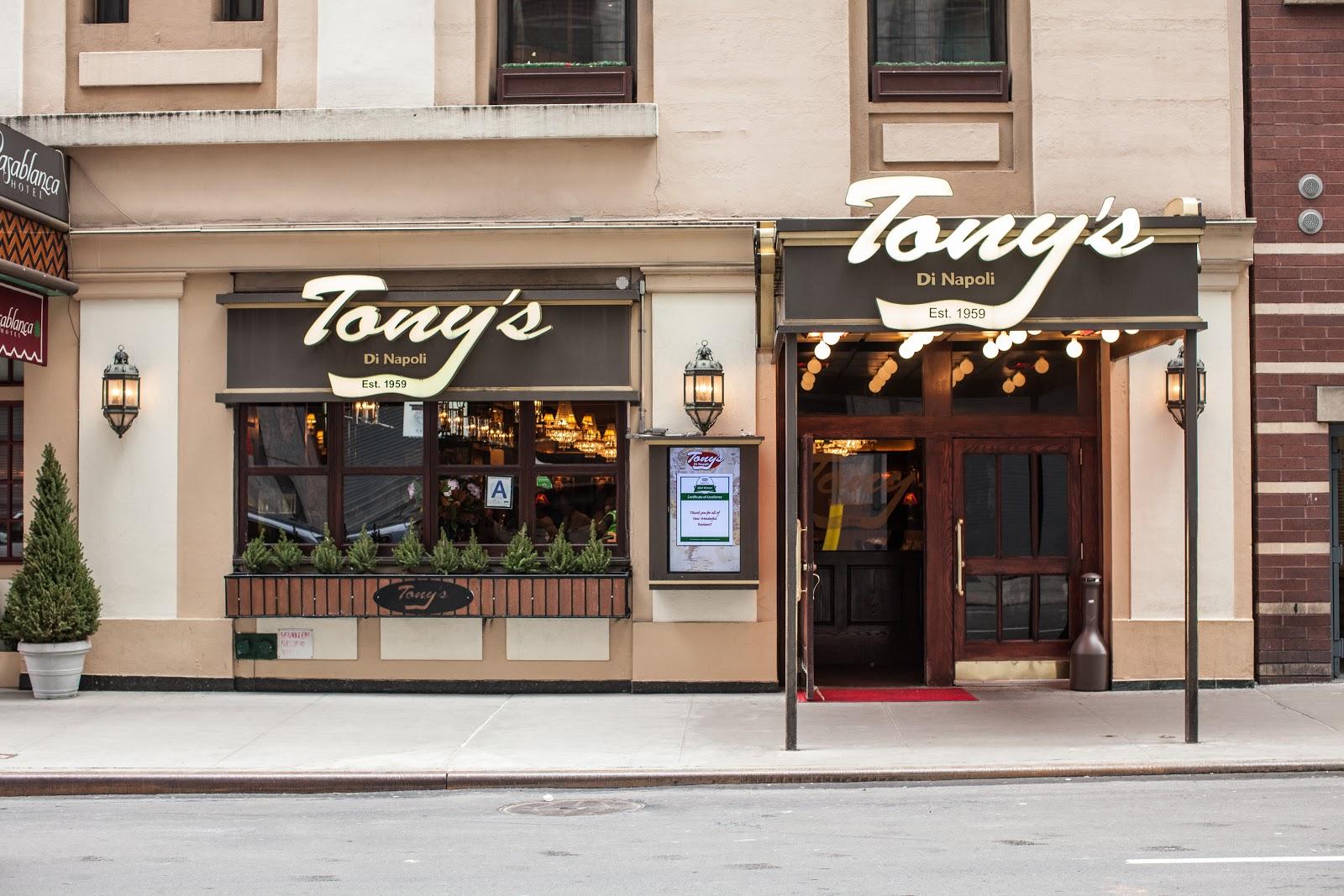 Tony's Di Napoli