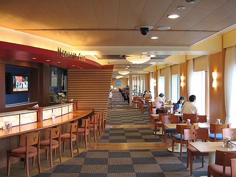太平洋フェリー「きそ」 カフェ「マーメードクラブ」と展望通路