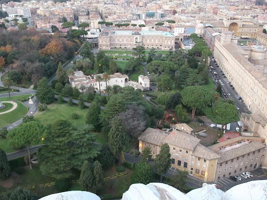 Black Hotel, Via Raffaello Sardiello, 18, 00165 Roma RM, Italy