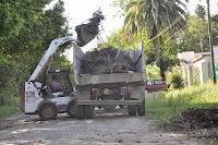 El gobierno municipal a través de las áreas de Coordinación de Delegaciones, Servicios Públicos y cooperativas Cañuelas trabaja desarrollan el plan de reparación de la red vial rural y urbana. Este miércoles,
