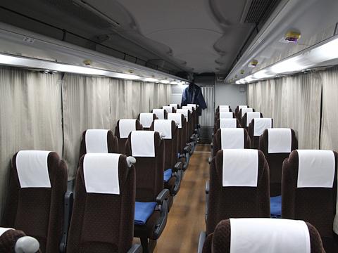 西鉄高速バス「ライオンズエクスプレス」 8546 車内