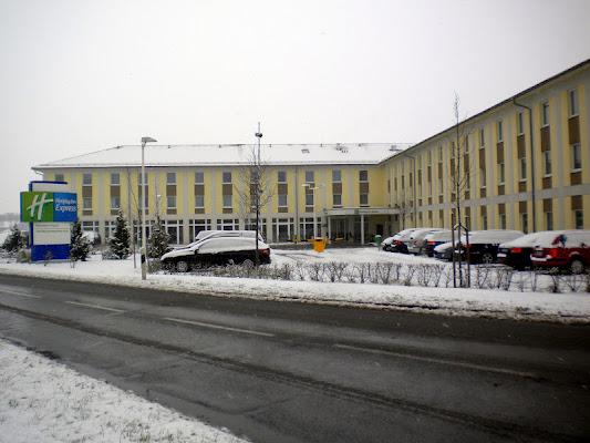 Holiday Inn Express, Freisinger Straße 94, 85445 Oberding, Germany