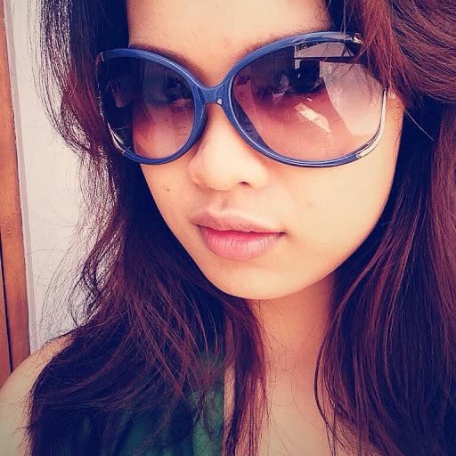 Sunglasses Singer