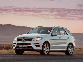 Mercedes-Benz-M-Class_2012_1600x1200_01