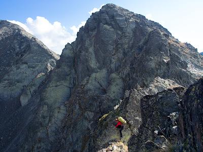 El tram més abrupte i difícil de la cresta entre el pic de Baiau i la Roca Entravessada