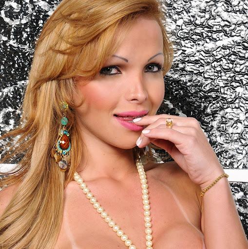 Carla Novaes 29