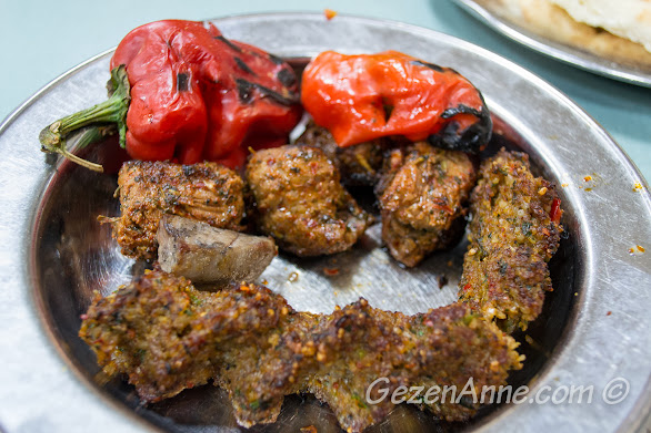 Gaziantep Halil Usta'da karışık kebap tabağı