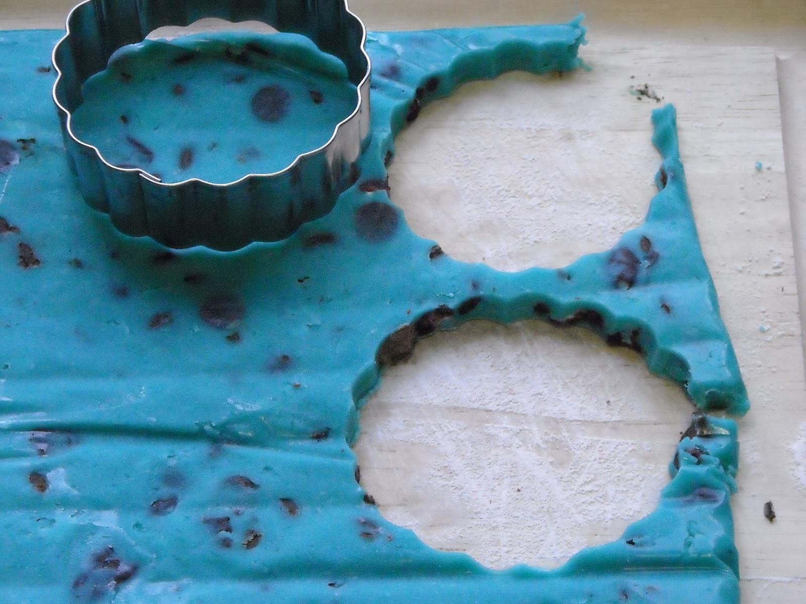 Books Make Me Hungry: Sally Jackson's Blue Chocolate Chip ...  Books Make Me H...