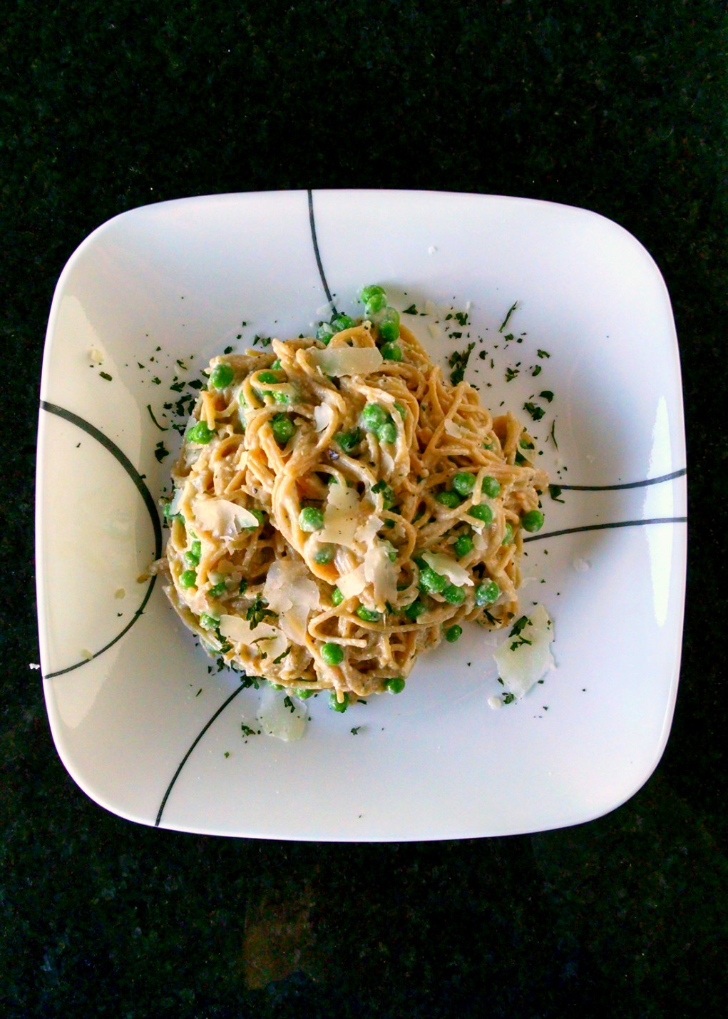 Creamy ricotta is added to the egg mixture; making this carbonara extra creamy and tasty. Then add crunchy spring peas and you have perfect Pea and Ricotta Carbonara perfect for any night of the week.