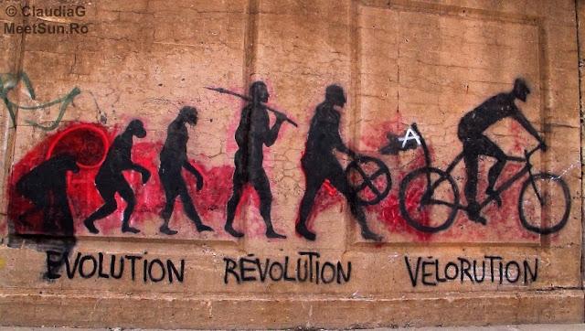 Montreal. Graffiti. Pro bike