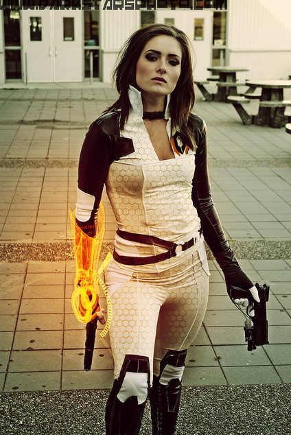 cosplay costume mass effect miranda