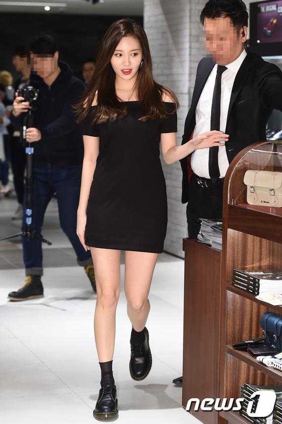 Yura (Girl's Day) khoe chân dài được mua bảo hiểm 10 tỉ đồng, đọ sắc cùng 4MINUTE
