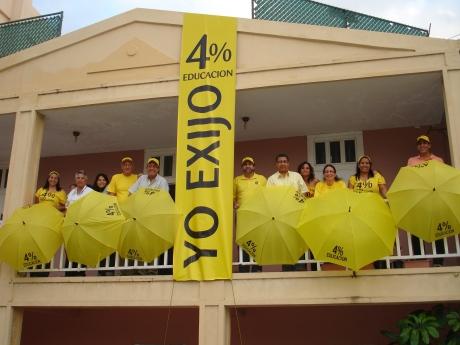 Exigen en República Dominicana 4% para la educación