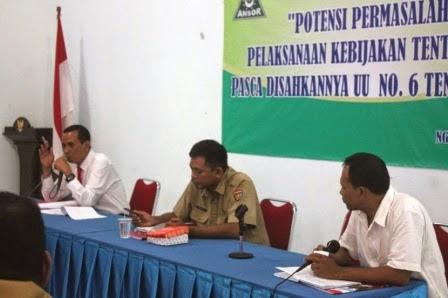 Berita foto Sinar Ngawi hari ini tentang diskusi dengan tema Potensi Permasalahan Pelaksanaan Kebijakan Tentang Desa