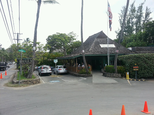 Buzz's Lanikai, 413 Kawailoa Rd, Kailua, HI 96734, United States