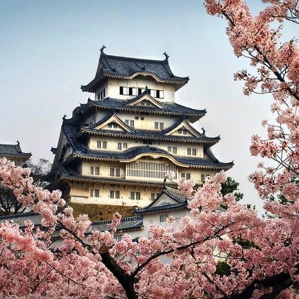 Ghé thăm lâu đài với giếng nước ma ám ''gai người'' ở Nhật Bản