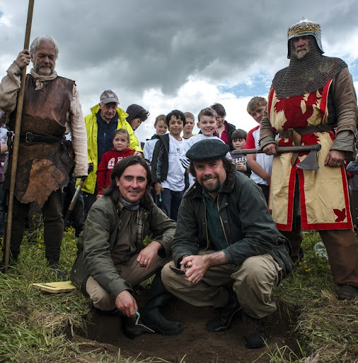 Battle of Bannockburn Big Dig: Pictured BBC presenters Neil Oliver and and Dr Tony Pollard with volunteers from the local community.  (Photograph: MAVERICK PHOTO AGENCY)