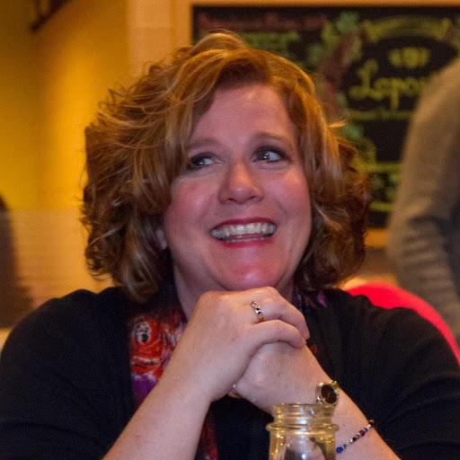 Julie Elder Photo 20