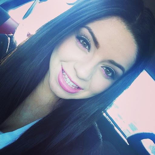 Vanessa Cervantes (Itsnessamaire09)
