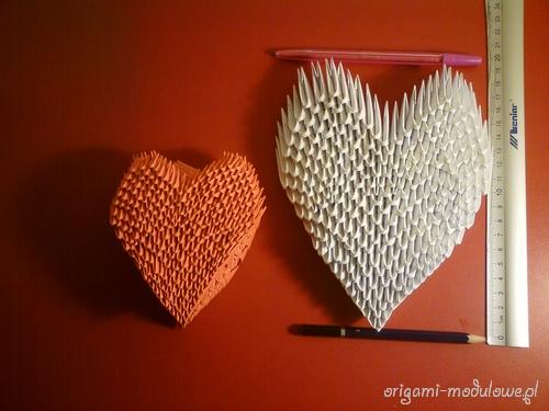 Wysokość serca zrobionego z modułów 1/16 to około 20 cm