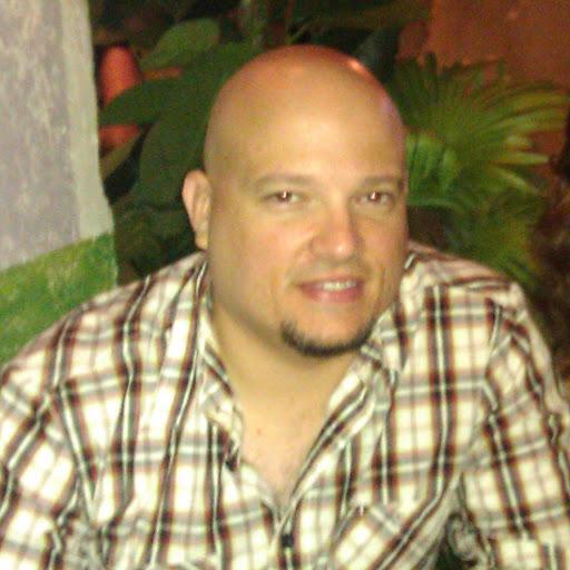 Victor Menendez Photo 24