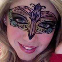 Máscara de carnaval maquiada