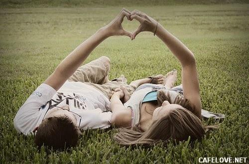 hình ảnh đôi tình nhân tạo hình trái tim đẹp