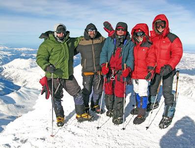 Восхождение на Эльбрус Зимой