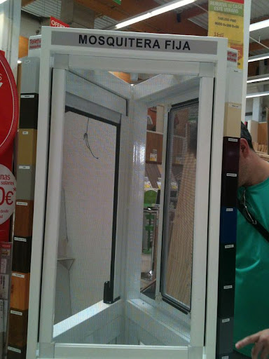 redes - Resumen de ideas para mosquiteras y redes ventanas y balcón para gatos. IMG_2647