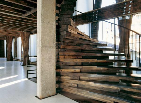 Những mẫu cầu thang độc đáo và hiện đại