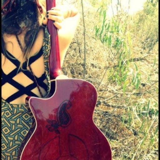 Johanna Davies Photo 5