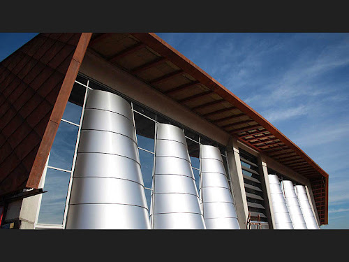 Imagen de la fachada ventilada de Bodegas Portia