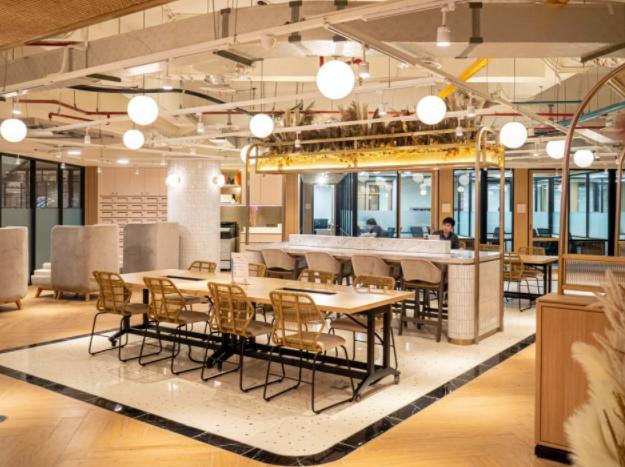 Coworking Space Terbaik dekat Central Park Mall: GoWork