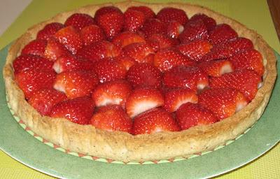 tarte aux fraises et aux 3 chocolats